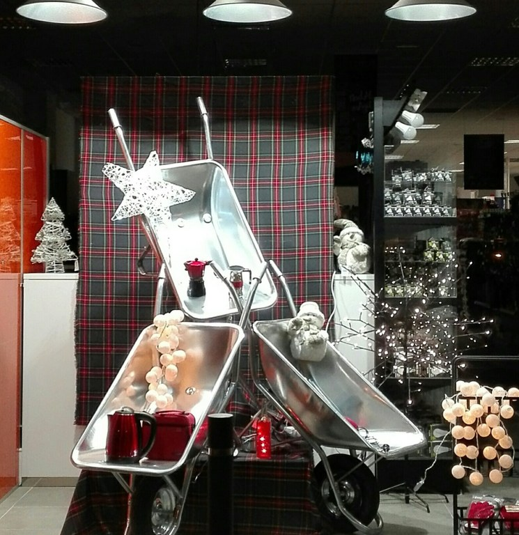 DSF Ferreters s'endú el premi al millor aparador nadalenc de Solsona