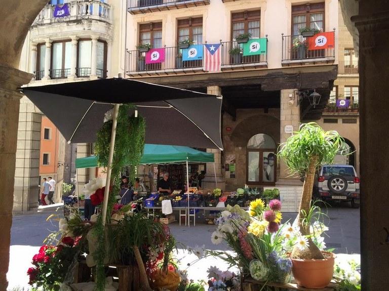 Solsona treu a concurs una trentena de places vacants de parades per regularitzar el mercat setmanal