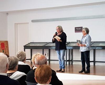 """Exposició de treballs de les activitats de la gent gran i """"Remenant calaixos"""""""