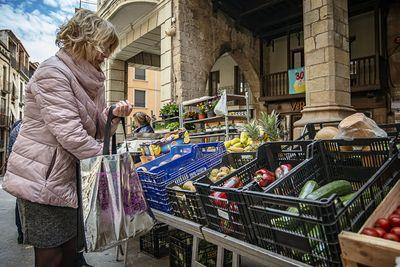 """""""El mercat a casa"""", venda a domicili a Solsona d'algunes parades d'alimentació i planter"""