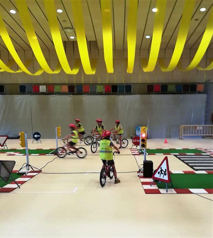 240 infants solsonins aprenen consells de mobilitat segura amb bicicleta