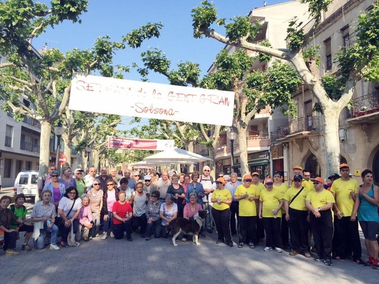 63 persones participen a la caminada de la gent gran de Solsona