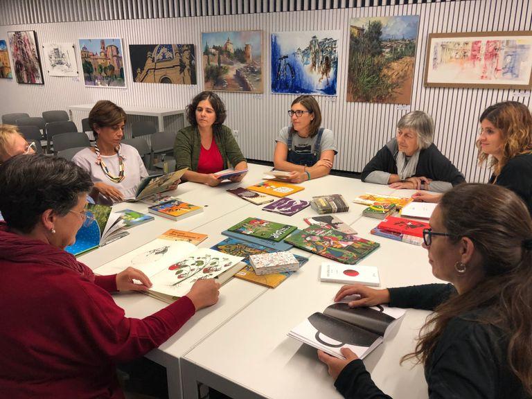 Arrenca la temporada per als set clubs de lectura de la Biblioteca Carles Morató