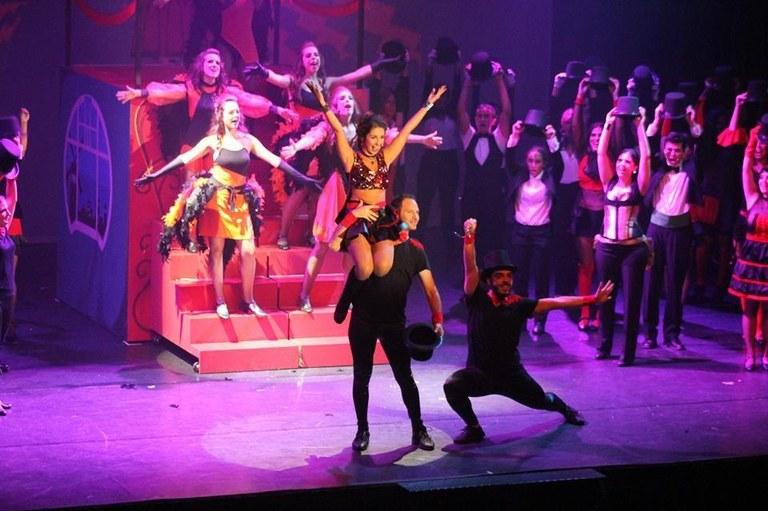 Arriba a Solsona la gira de 'Moulin Rouge!', a càrrec de Manresa Teatre Musical