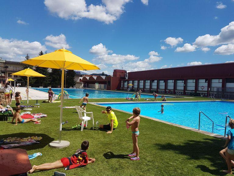Dilluns obren les inscripcions a l'oferta ludicoesportiva de les piscines municipals de Solsona