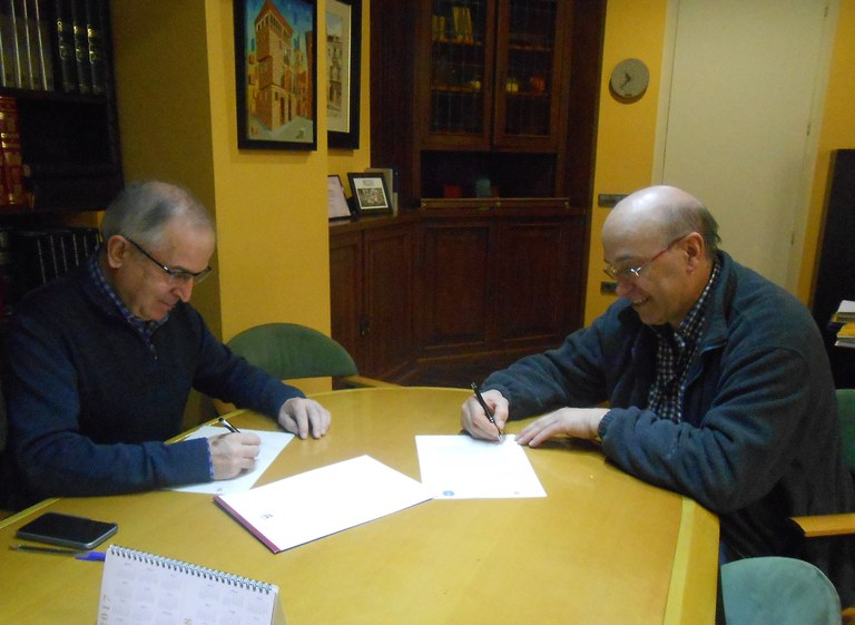 El CF Solsona signa un conveni amb l'Ajuntament per a la gestió del bar del camp municipal