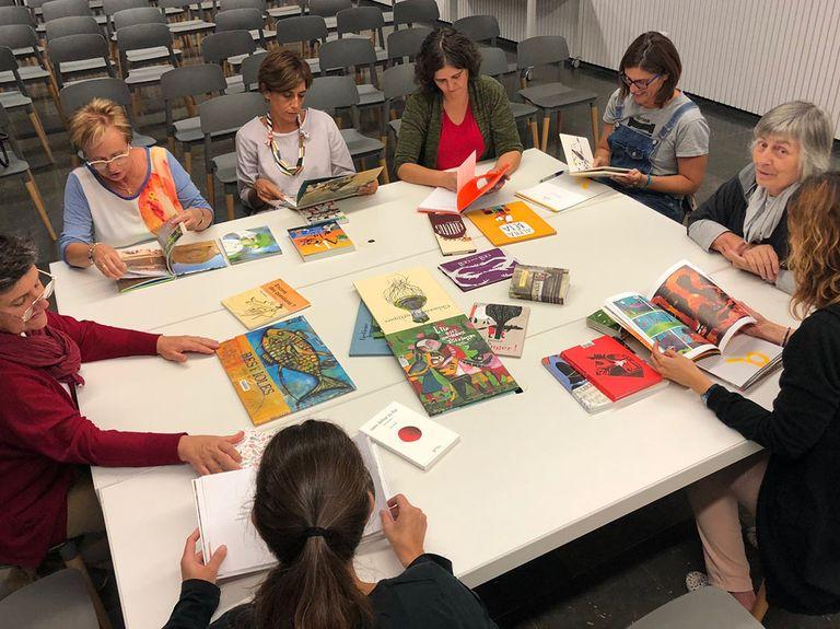 El Club de lectura d'àlbums il·lustrats de Solsona convida les famílies a una sessió en veu alta