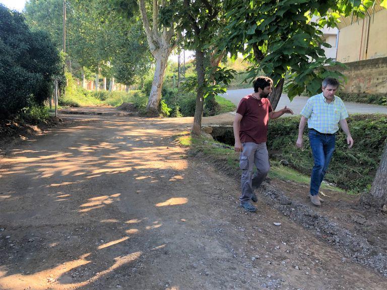 El desbordament del riu Negre arrenca el paviment d'un tram del camí de la ribera a Solsona