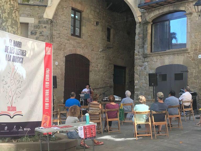 El Racó de les Lletres i la Música, un nou espai de la biblioteca solsonina durant l'agost