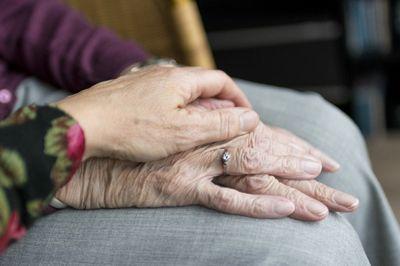 L'Agència de Solsona i Cardona ofereix suport en la sol·licitud de l'habilitació del personal auxiliar d'atenció a les persones dependents