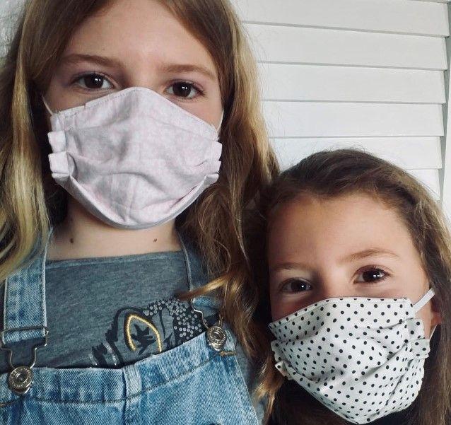 L'Ajuntament de Solsona comença diumenge a distribuir mascaretes higièniques infantils cosides per voluntàries