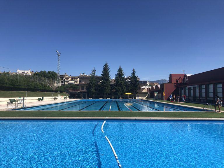 L'Ajuntament de Solsona obre la convocatòria anual de monitors per a les piscines tot i la incertesa