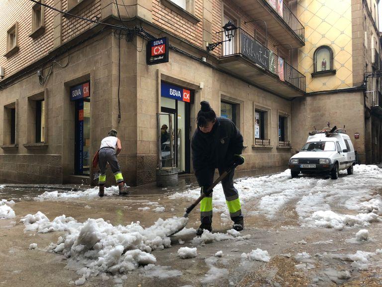 L'Ajuntament solsoní demana la col·laboració ciutadana per retirar neu de les voreres