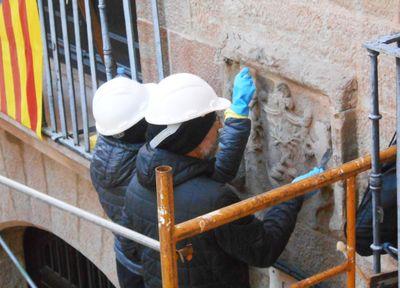L'Ajuntament solsoní restaura els elements petris més deteriorats del nucli antic