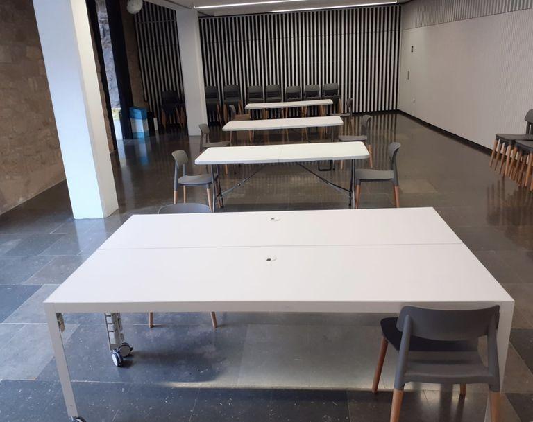 La Biblioteca Carles Morató habilita una sala d'estudi de vuit places amb reserva prèvia