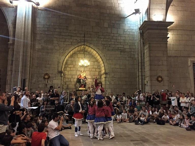 La Festa Major de Solsona viu una jornada central especial amb els ballets dins la catedral