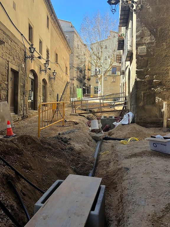 Les obres del carrer de Sant Miquel comporten un tall d'aigua al nucli antic dilluns al matí