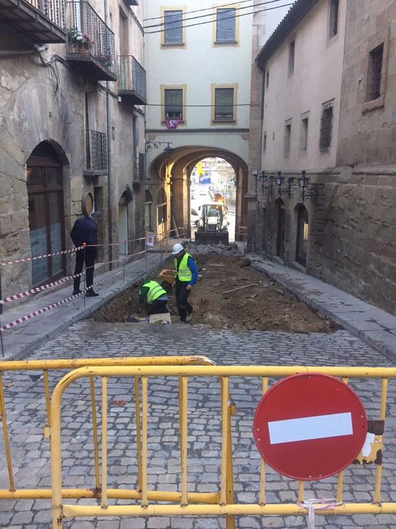 Les obres del carrer de Sant Miquel de Solsona obliguen a fer canvis en la mobilitat del nucli antic