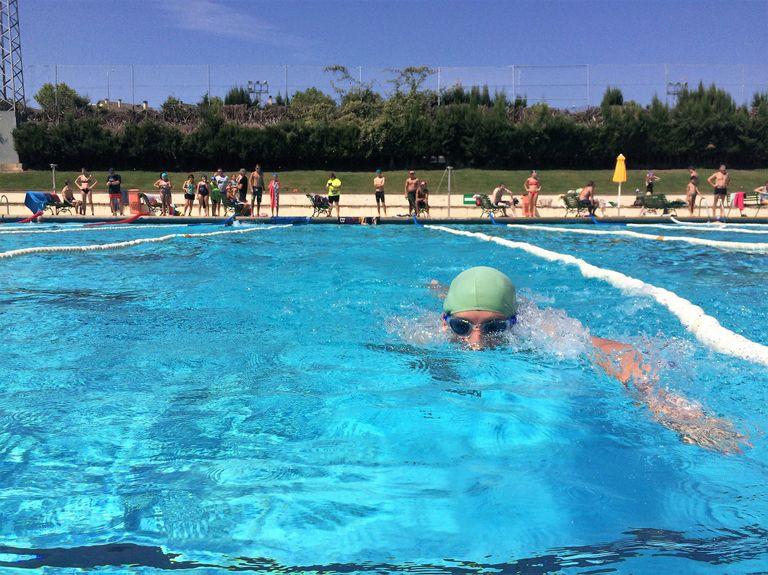 Les piscines municipals de Solsona acullen dissabte la 35a Hora de Resistència de Natació