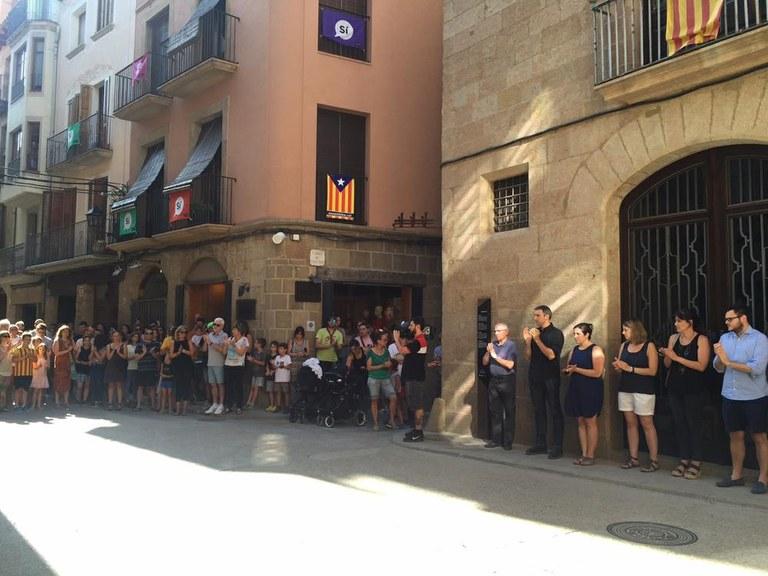Més de 200 persones es concentren a Solsona en el minut de silenci en record del Rubén