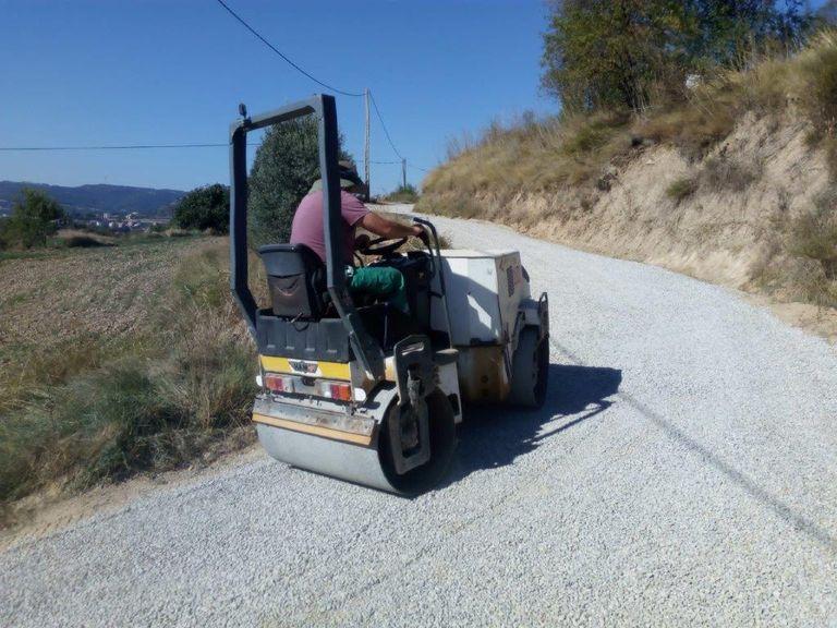 S'arranja amb reg asfàltic un tram del camí de Sant Bartomeu de Solsona