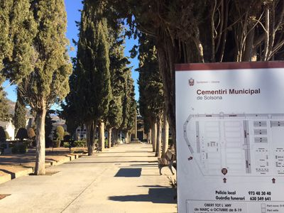 S'obren les convocatòries per cobrir dos llocs de treball al cementiri i a les instal·lacions esportives de Solsona