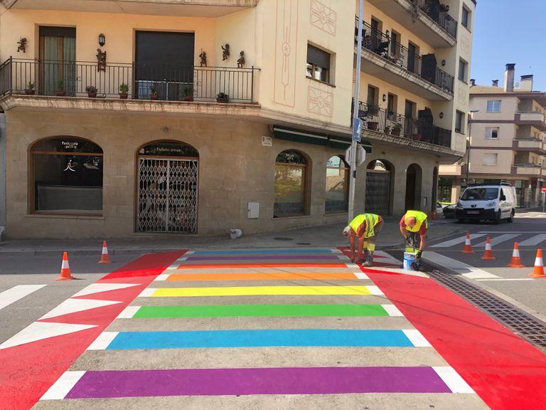 Solsona fa permanentment visible el seu compromís amb el col·lectiu LGBTI amb passos de vianants irisats