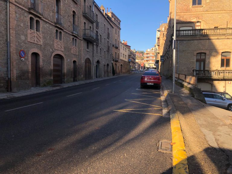 Solsona reordena la carretera de Bassella amb una nova zona blava gratuïta