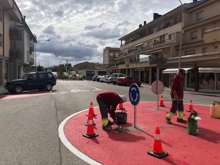 Solsona reordena la mobilitat al primer tram del carrer del Pedraforca i hi implanta la zona blava