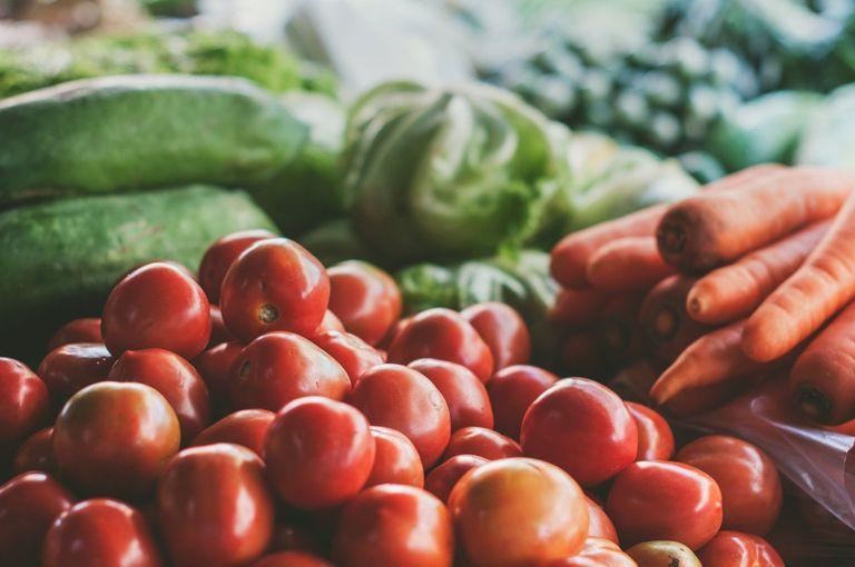 Solsona reprèn el mercat del divendres de moment només amb parades d'alimentació i planter