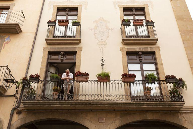 Solsona tornarà a repartir prop de 1.000 euros entre els balcons més ben ornamentats amb flors