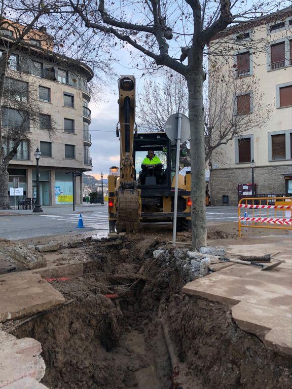 Una avaria a la xarxa d'aigua afecta el subministrament al sector oest del municipi fins avui al migdia